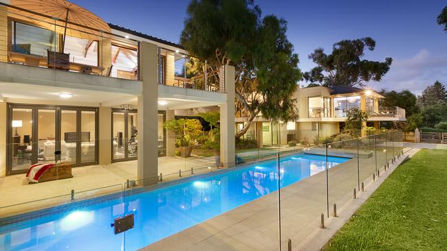Richmond Apartment With Austin Powers Feel Among Melbourne Dream Homes