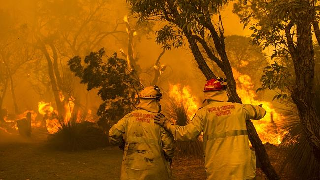 Firefighters battled a major bushfire in Perth's southern suburbs which damaged several homes. Pictures courtesy of the Department of Fire and Emergency Services (DFES).