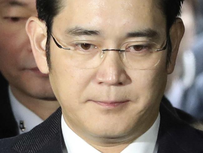 Samsung 'dismantled' by corruption charges