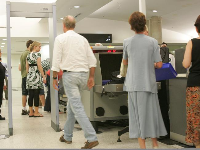 ##CHECK LEGALS BEFORE USE## Security Scare at Brisbane Domestic Aiport -