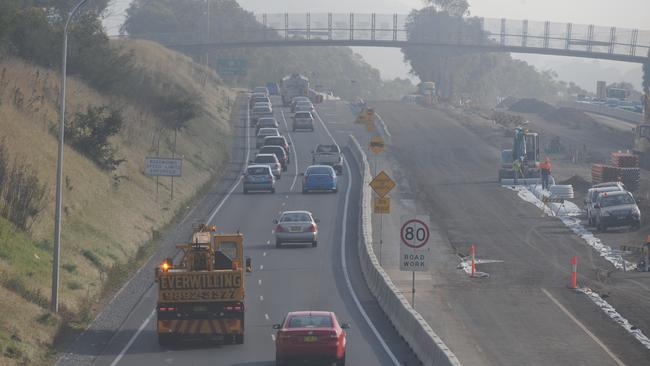 Air pollution can worsen around major highways, such as here on the M31 Hume Motorway in NSW.