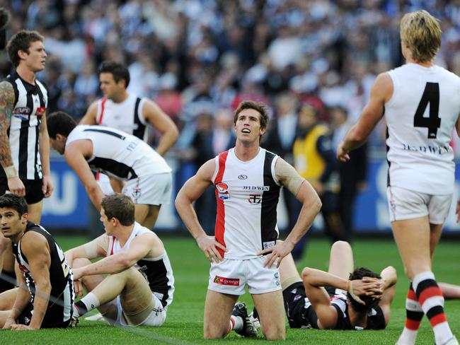 Hayes reacts after the siren sounds in the 2010 drawn Grand Final.