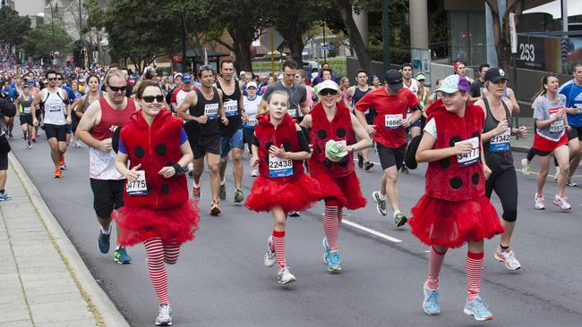 Fun and fitness at the 2014 Chevron City to Surf for Activ. Picture: Jordan Shields