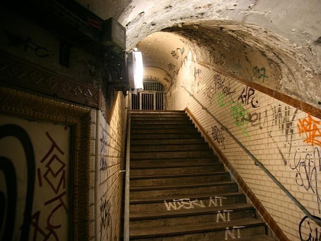 Up the steps at Croix-Rouge station. Picture: Vincent Desjardins, Flickr