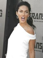 <p>Actress Megan Fox, star of 'Transformers: Revenge of the Fallen', poses at the film's premiere in Los Angeles, California June 22, 2009. REUTERS</p>
