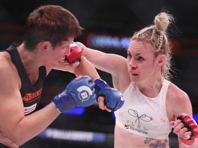 Heather Hardy against Alice Yauger. (AP Photo/Gregory Payan)