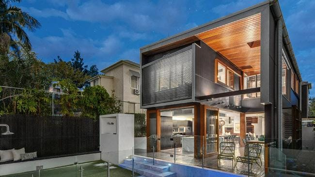 The architect who designed 114 Brown St, New Farm was at the auction to talk to buyers. Picture: realestate.com.au