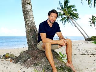 FOR SATURDAY MAY 28 PHOTOGRAPH BY NIGEL WRIGHT. +61409 363339 COPYRIGHT ENDEMOL SHINE AND NETWORK 10 AUSTRALIA AUSTRALIAN SURVIVOR SERIES 1 MAY 2016 THIS PICTURE SHOWS: SERIES HOST, JONATHAN LAPAGLIA, ON A SAMOAN BEACH