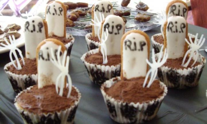 "18. Put a graveyard on your party table with some tombstone cupcakes  <p><a href=""http://www.kidspot.com.au/kitchen/recipes/tombstone-cupcakes-3262"">See here for how to make Tombstone cupcakes here.</a></p>"