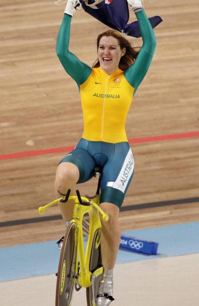 Meares wins 500m time trial gold at the Athens Olympics in 2004.