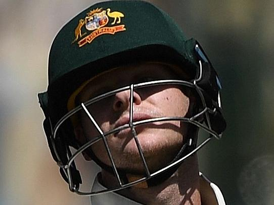 Shattered Aussies on brink of defeat