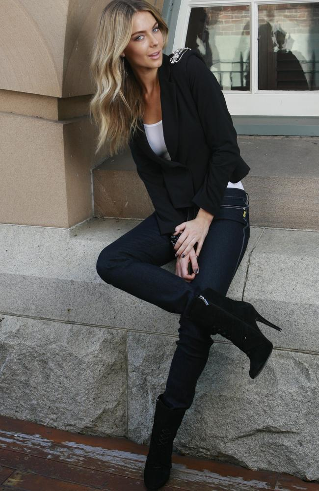 Jennifer Hawkins in Bettina Liano jeans.