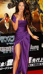 "<p>Actress Megan Fox poses for photographers during the ""Transformers: Revenge of the Fallen"" world premiere in Tokyo.</p>"