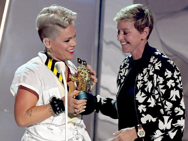 Pink accepts the Michael Jackson Video Vanguard Award from Ellen DeGeneres. Picture: Getty Images