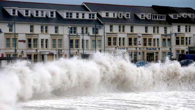 Watch out...in other parts of the world, coastal areas have at times already been affected by rising sea levels. Picture: Matt Cardy/Getty Images