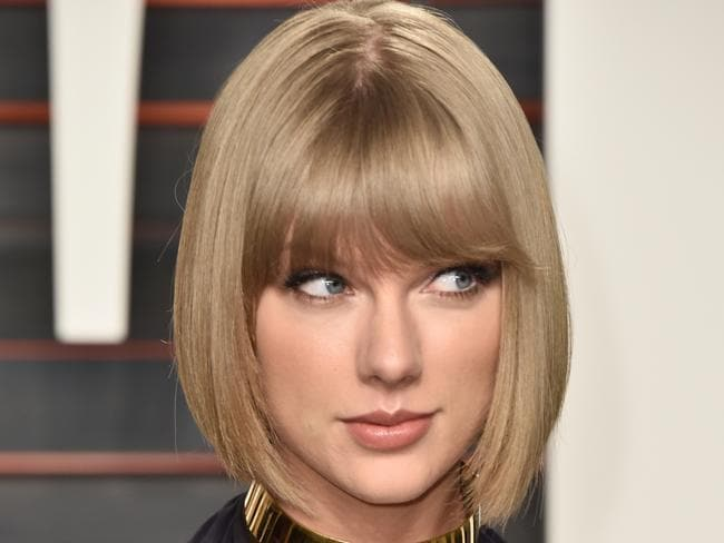 Swift's fan wants gun to protect her in Africa