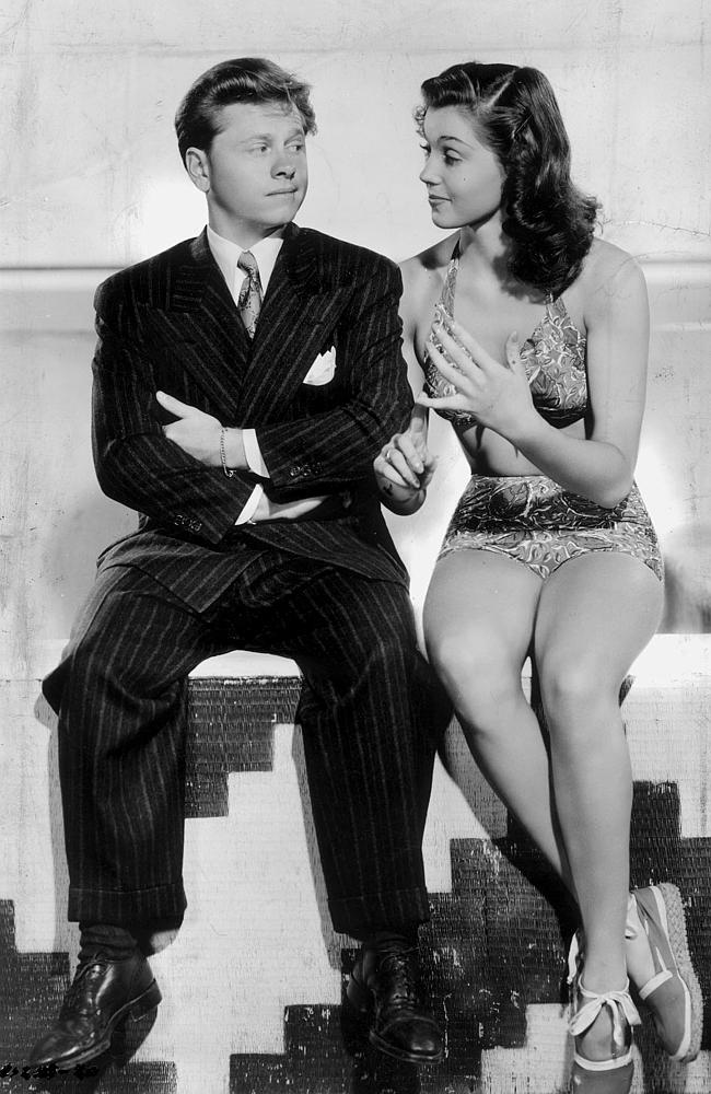 Mickey Rooney with Esther Williams in the 1944 film Andy Hardy's Double Life.