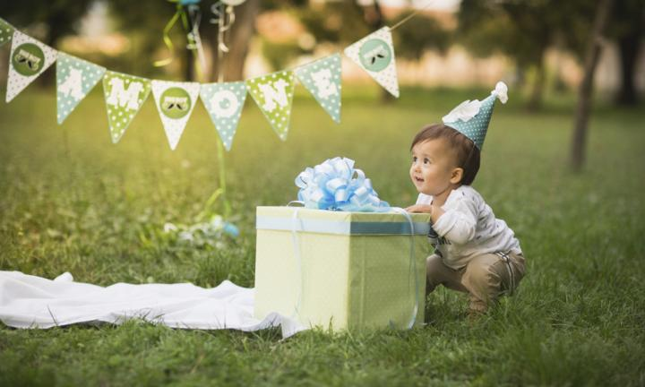How to throw your baby's 1st birthday party without losing your mind