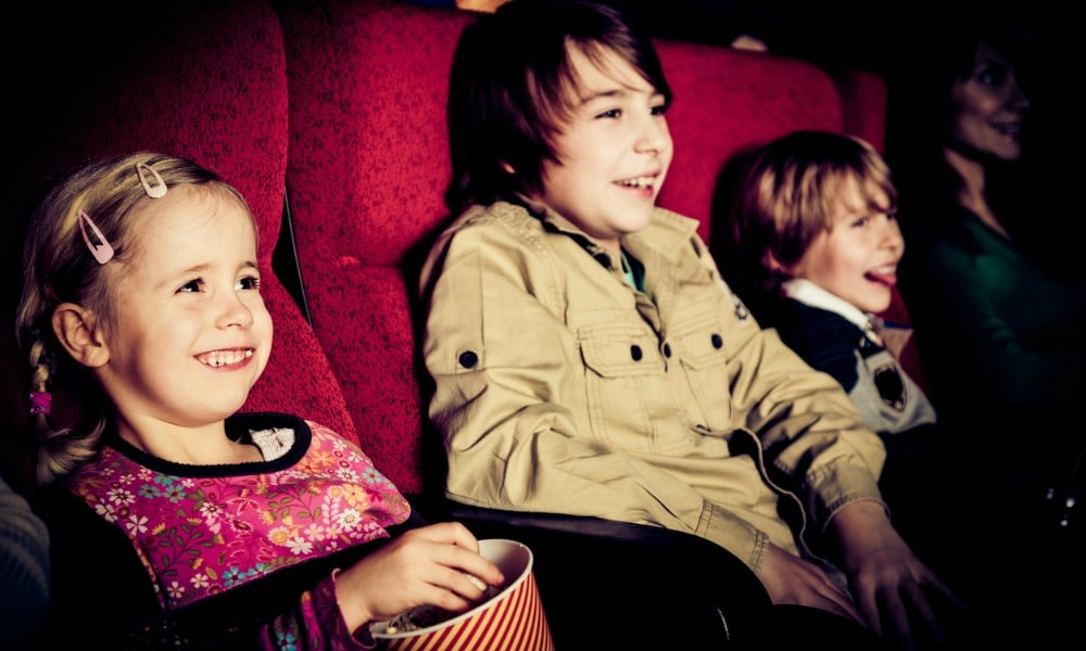 kids-and-movies-happy