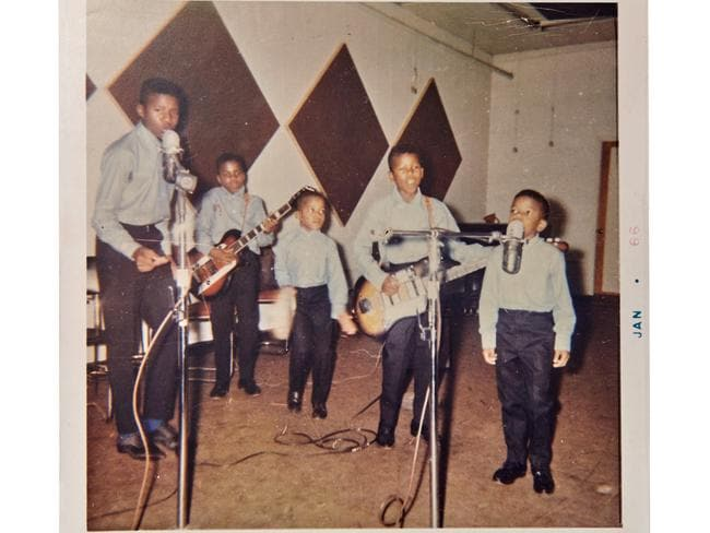 Exclusive preview of never seen before photos of pop s for Jackson 5 mural gary indiana