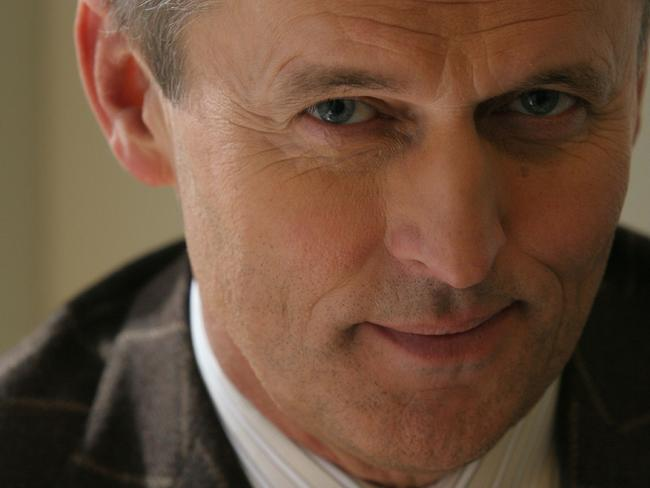 John Grisham Wiki: Young, Photos, Ethnicity & Gay or