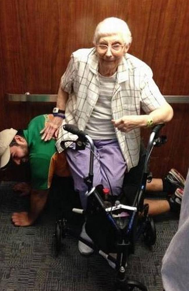 "Lean on me...Mover Cesar Larios posed as a ""human benche"" for an elderly woman after they"