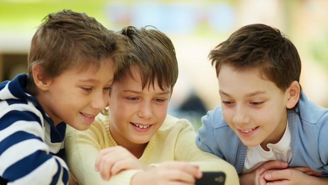 Research shows smartphone usage can affect children's sleep. Source: iStock.