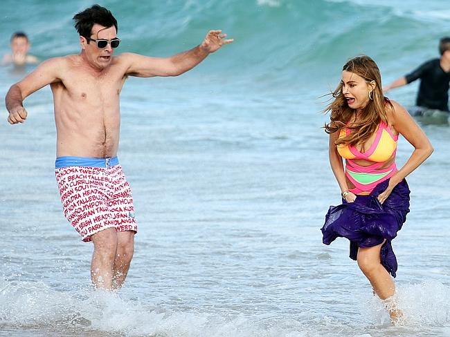Ty Burrell and Sofia Vergara filming a scene for the Aussie episode at the beach.