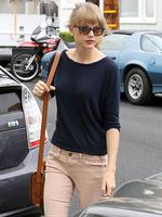 <p>Taylor Swift dropped in for a business meeting in Santa Monica looking very chick. Picture: Snappermedia</p>