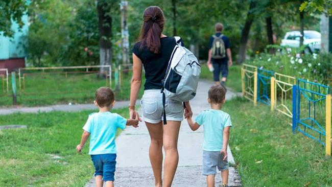 how to become a private nanny