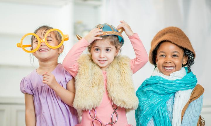 Kids' costumes: How to set up a dress-up box
