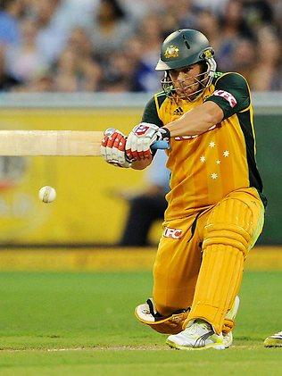 S20/20 Australia v England at MCG - Aaron Finch plays a shot Picture: Colleen Petch