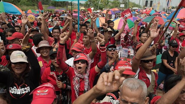 "Furious ... thousands of Thai pro-government ""Red Shirts"" have rallied for a second succe"