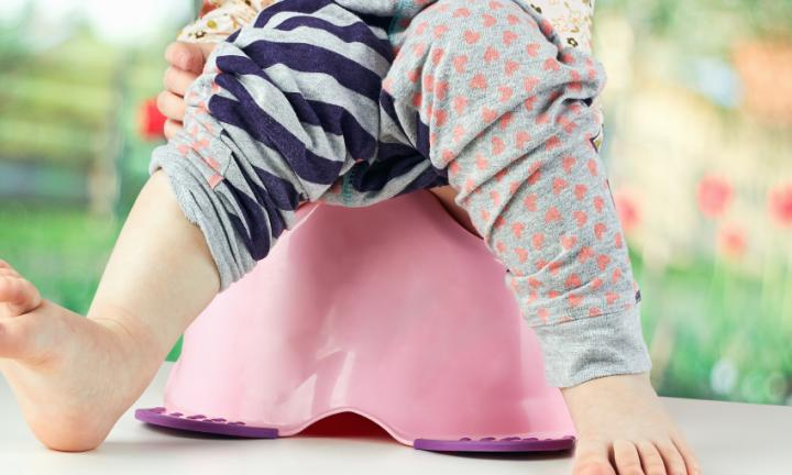How to deal with a distracted potty trainee