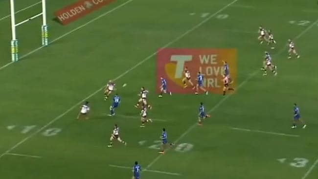 Screengrab of the disputed pass from Tim Brown to Michael Ennis which resulted in a try.