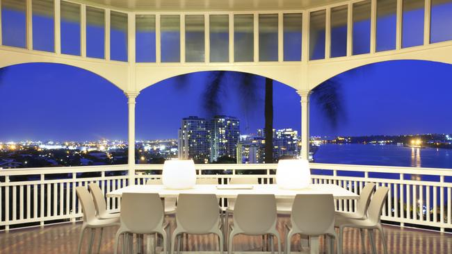 There is a 180-degree view of the river and city from the rotundas.