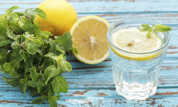10 reasons why you should drink lemon water