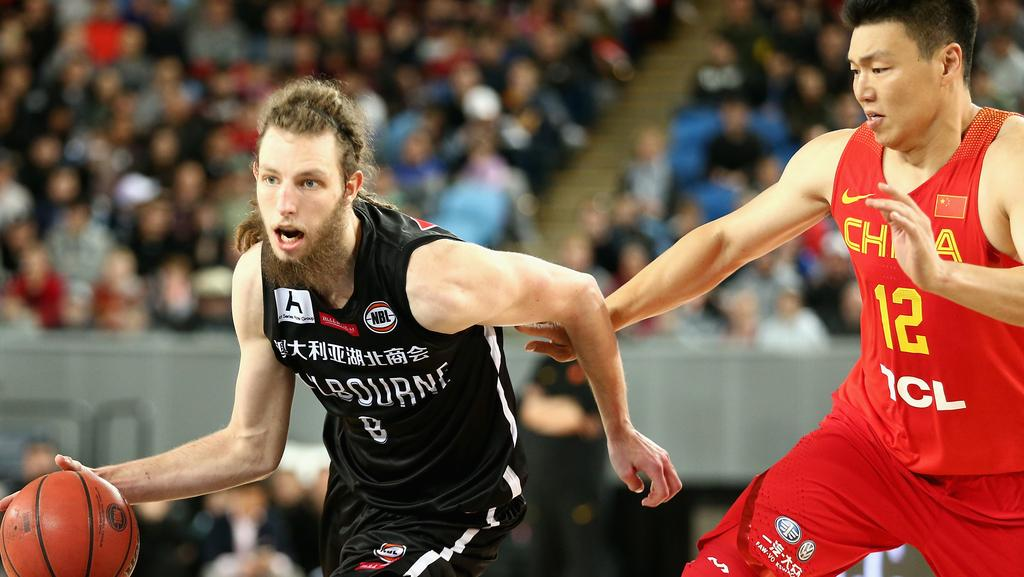 Craig Moller drives to the basket for Melbourne United.