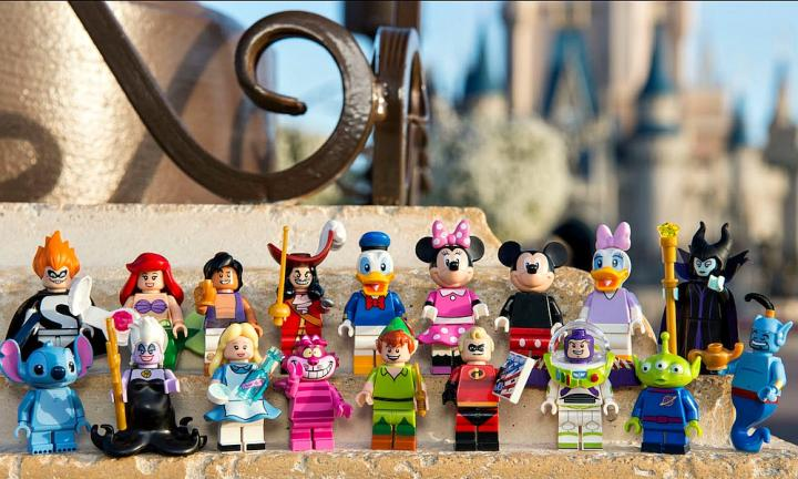 LEGO and Disney team up - Mickey, Minnie, Ariel and Aladdin, welcome to LEGO town!