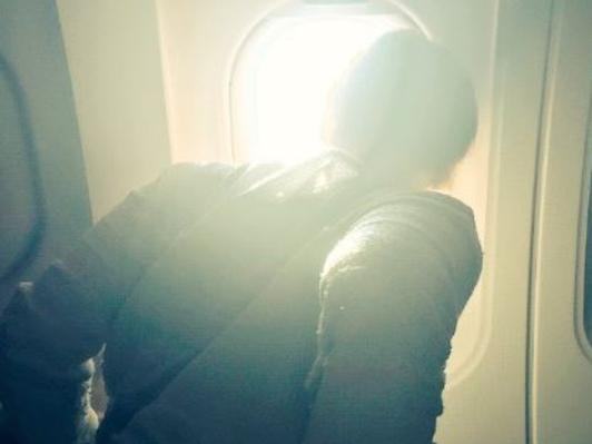 Woman live-tweets seatmate's first flight