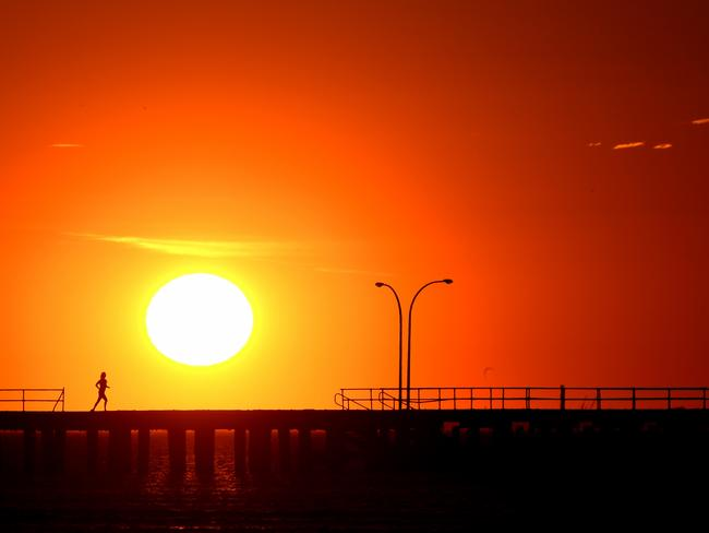 Melbourne's heat played a big role. It reached 35C on Monday. Picture: Nicole Garmston