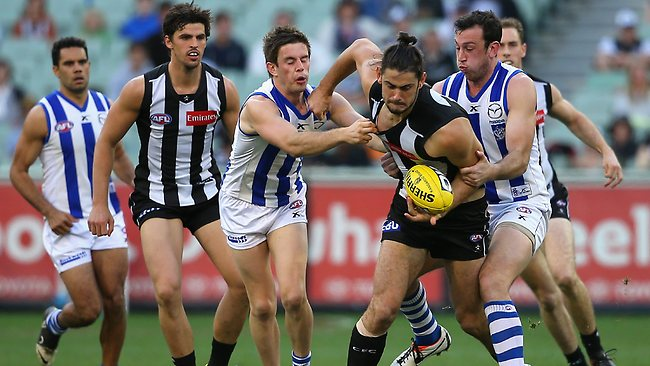 Magpie ruckman Brodie Grundy works his way out of congestion. Picture: Getty