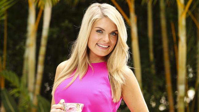 erin molan engagement footy show star confirms shes