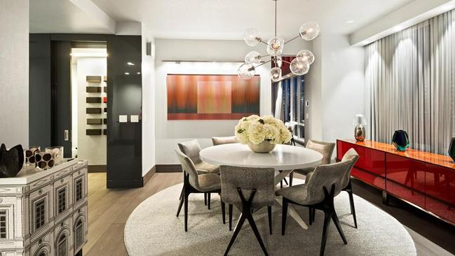 See inside luxury homes around the world currently on the for Douglas elliman real estate manhattan