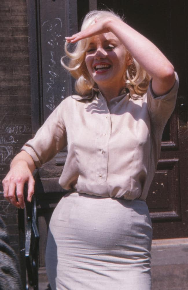 Marilyn Monroe Pregnant Photos Show Star S Secret For