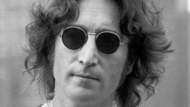 john lennon vs a perfect circle American rock supergroup a perfect circle was formed in the late '90s by tool  vocalist maynard james keenan and former tool guitar tech billy howerdel.