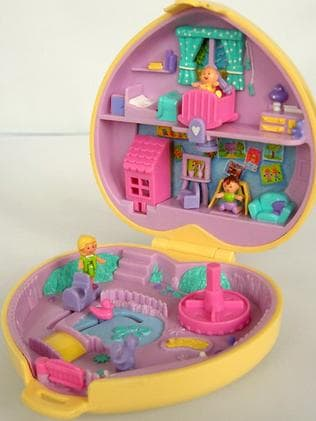 The original Polly Pocket came in a range of shapes and sizes.