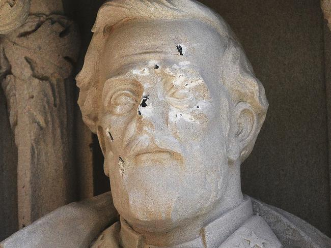 Duke University has removed a statue of Confederate Gen. Robert E. Lee days after it was vandalised. Picture: AP.