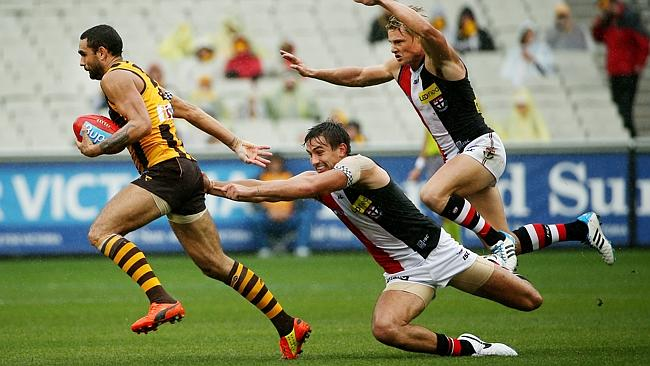 St Kilda's Billy Longer and Clinton couldn't catch Hawthorn's Shaun Burgoyne. Picture: Colleen Petch.