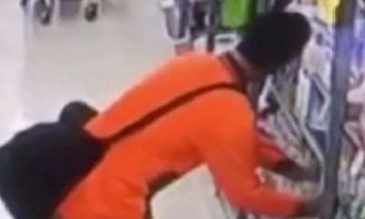 Men dressed as tradies caught stealing popular baby product from shelves